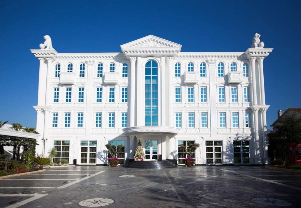 hotel-britania-front
